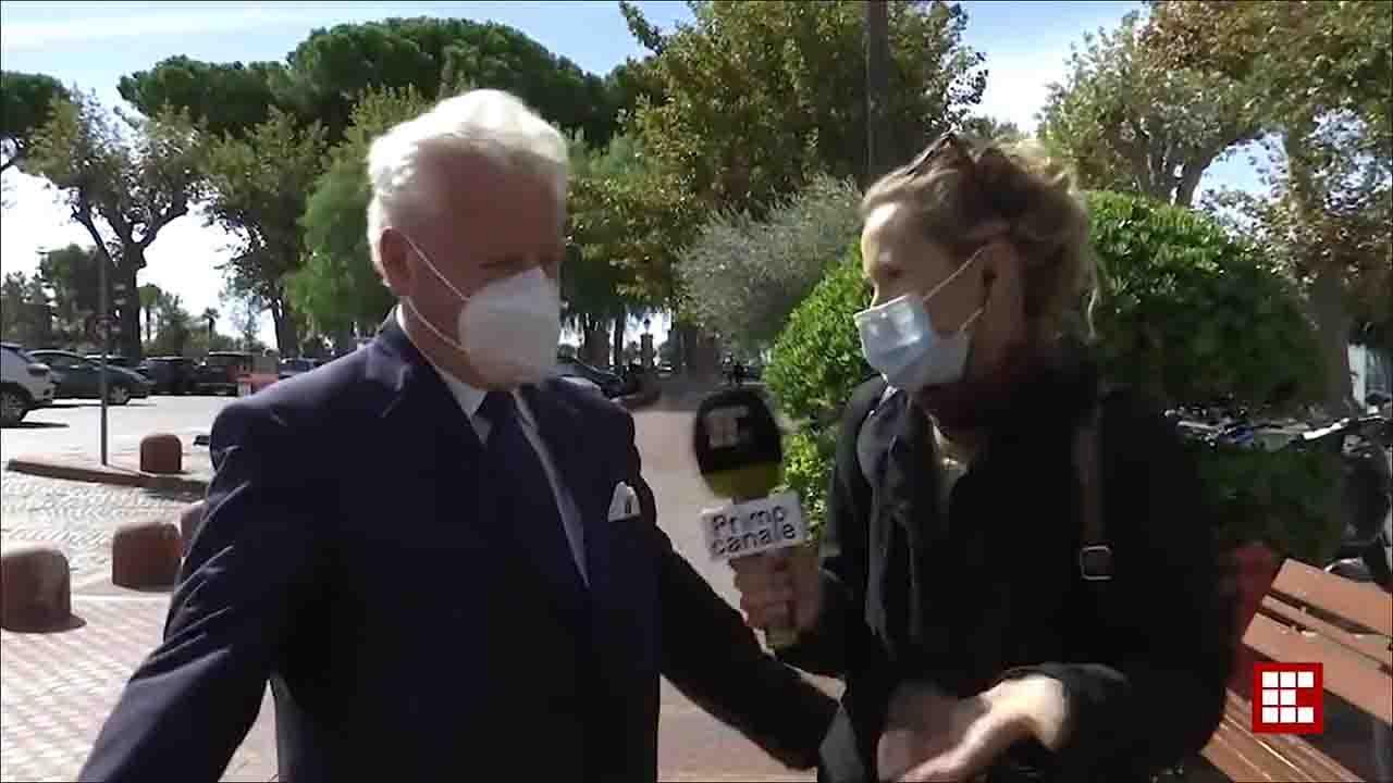 Il sindaco parla di sicurezza e viene derubato in diretta Tv (VIDEO)