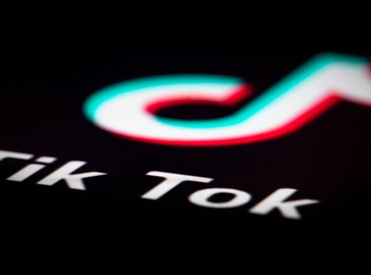 TikTok, suicidio diventa virale: la caccia al video