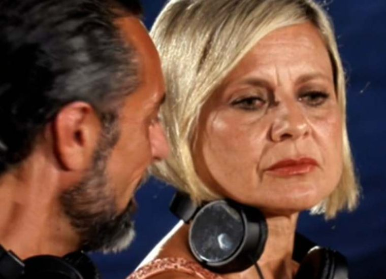 Adriana Volpe smaschera Antonella Elia: