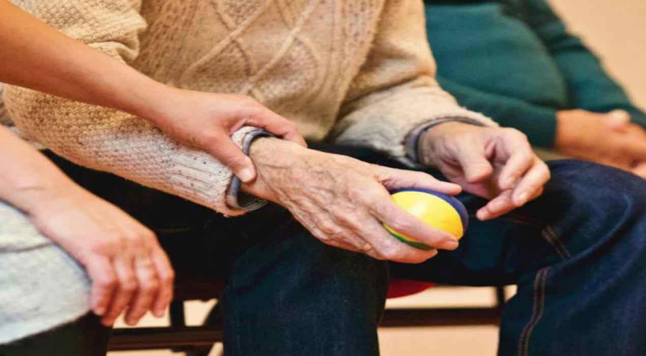 anziani truffati da personale casa riposo torino