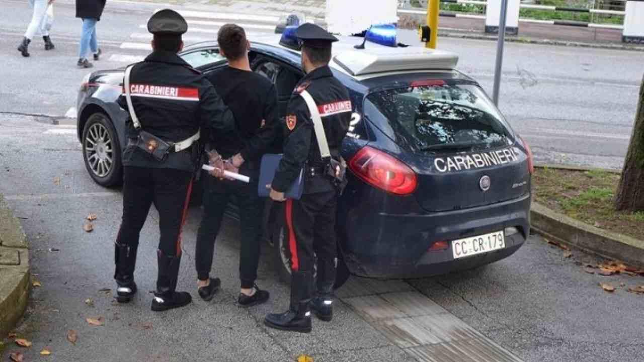 Camorra |  nuova operazione con 12 arresti  Sgominato altro sistema