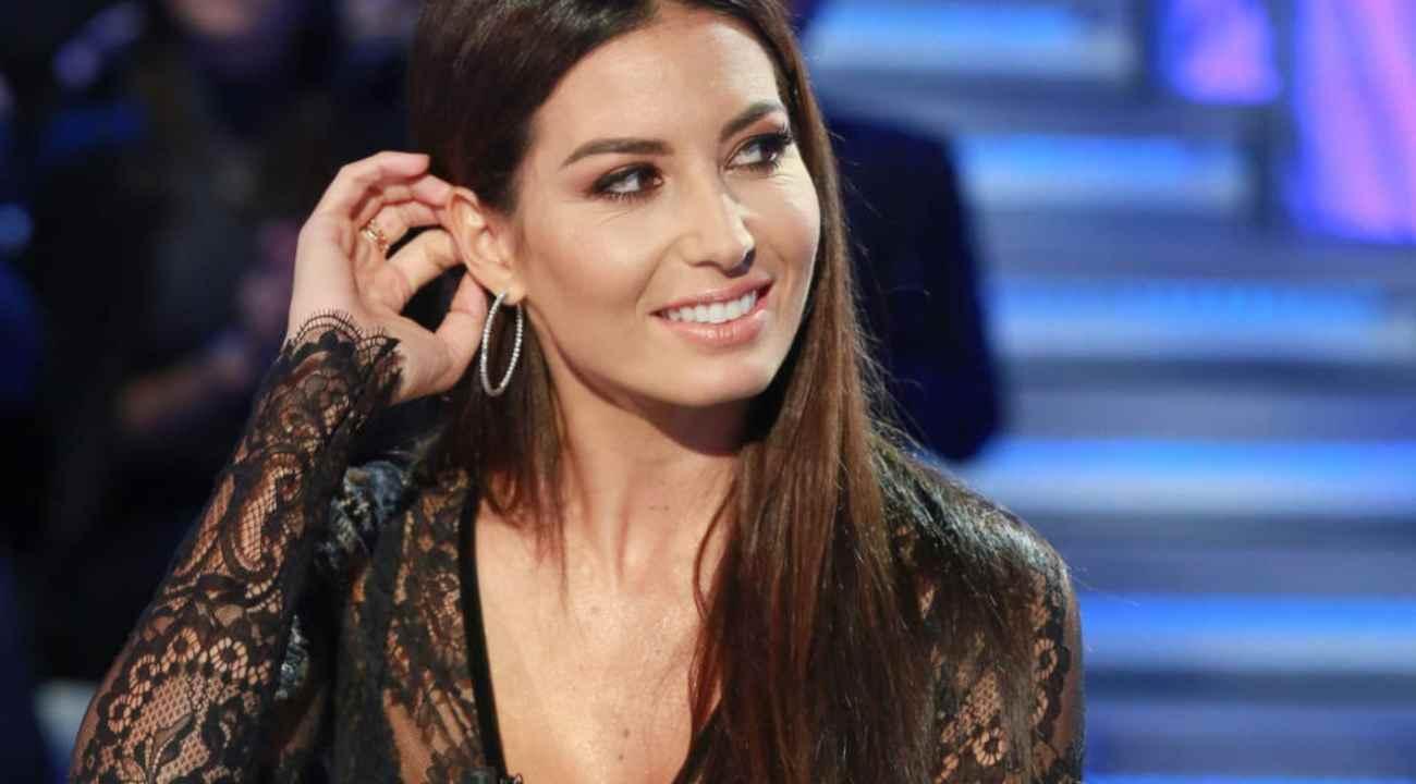 Elisabetta Gregoraci messaggio strappalacrime | Un uomo l'attende fuori dal GF Vip