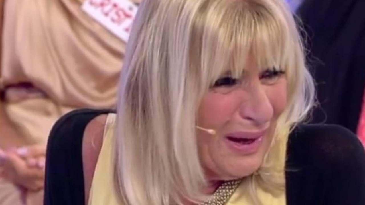 """""""Usciamo insieme dal programma"""" / Gemma Galgani scoppia in lacrime. Dama cerca il sogno"""