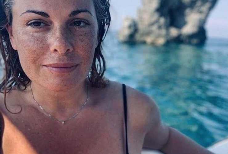 Bufera sulla Incontrada: gli haters indignati per Bella Ciao