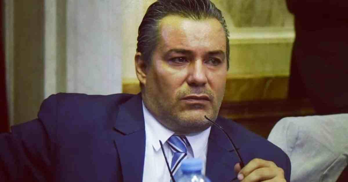 Argentina, momento hot in diretta alla Camera: deputato si dimette
