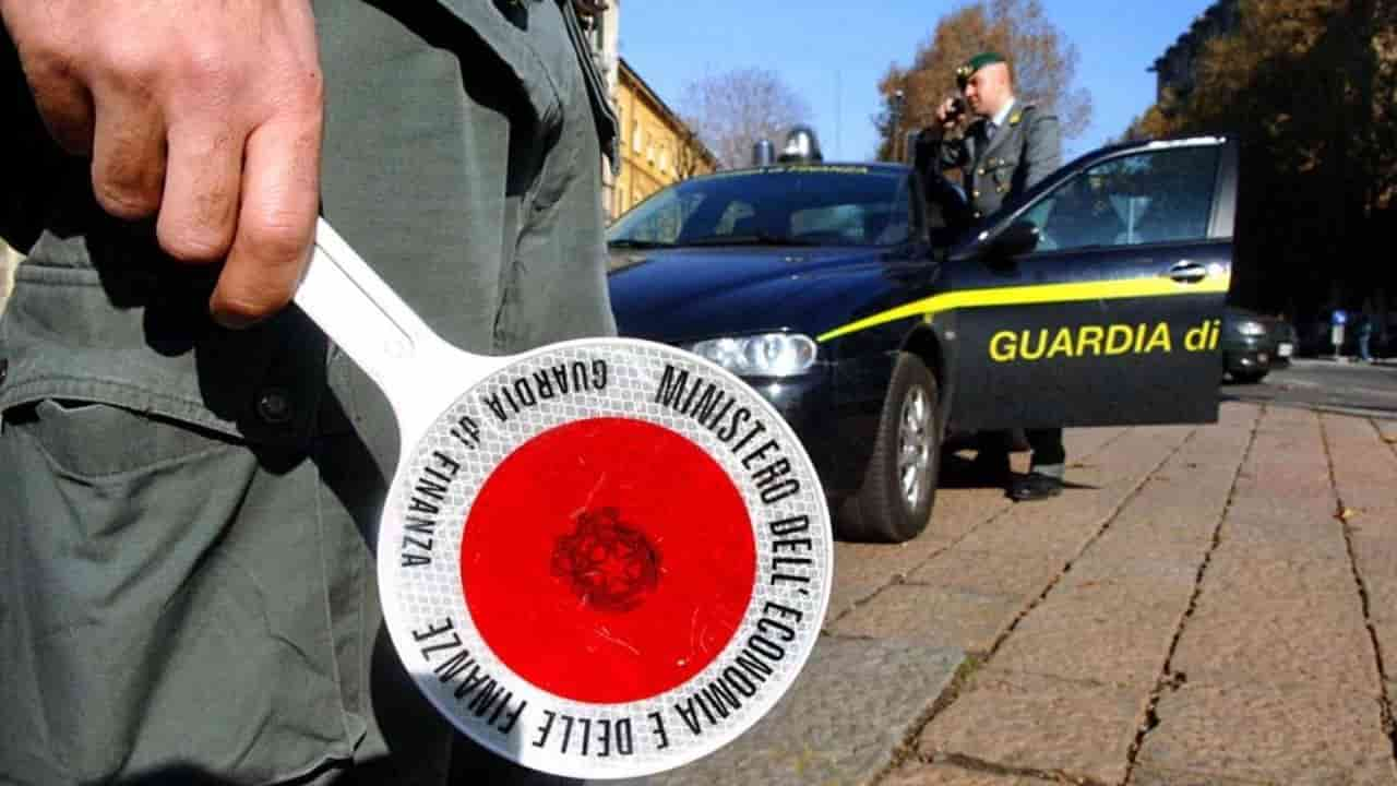 Mafiosi col reddito di cittadinanza: scoperta una truffa da 300mila euro