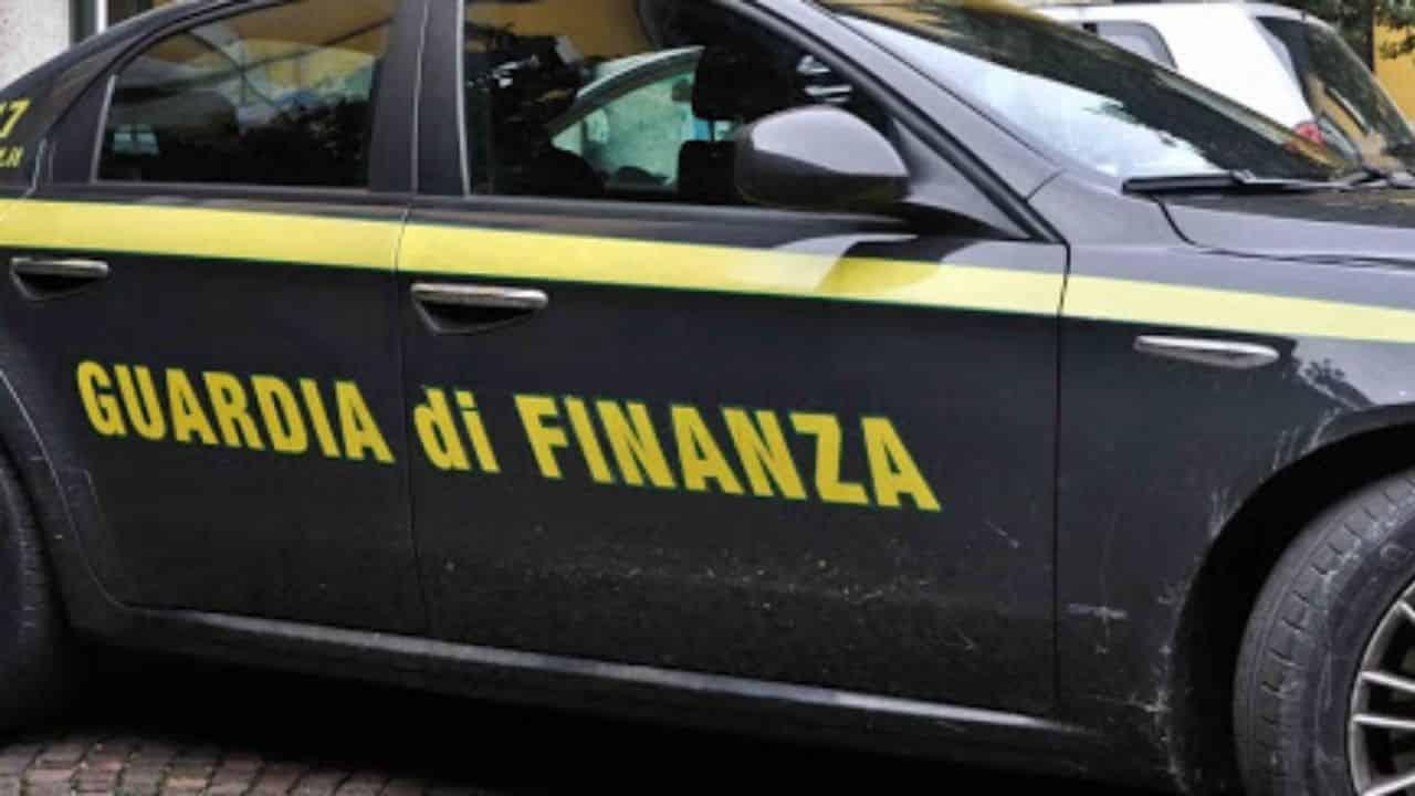 maxi sequestro roma bancarotta fraudolenta