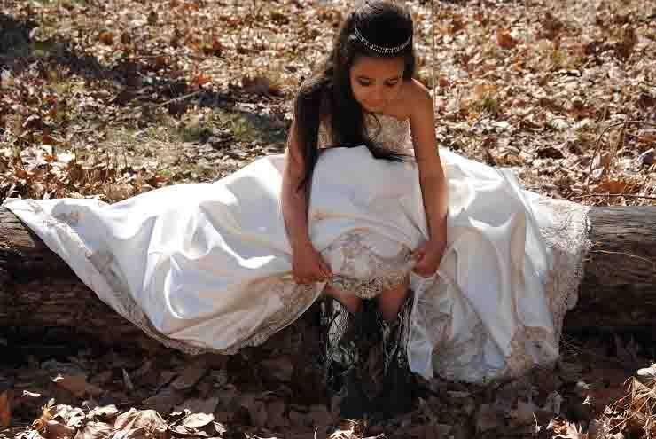 uomo pakistano vuole combinare un matrimonio per la figlia 15enne con un 50enne
