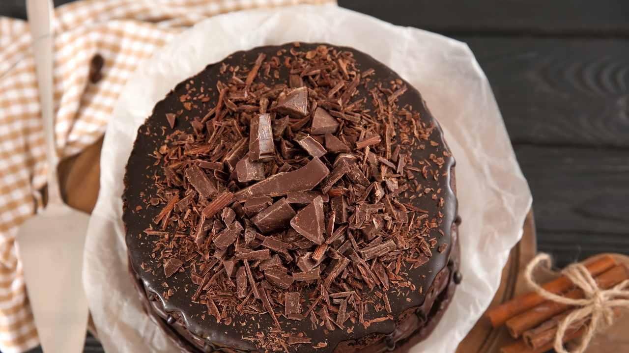 Torta Nutella, zenzero e cannella con ganache furba | Profumi autunnali