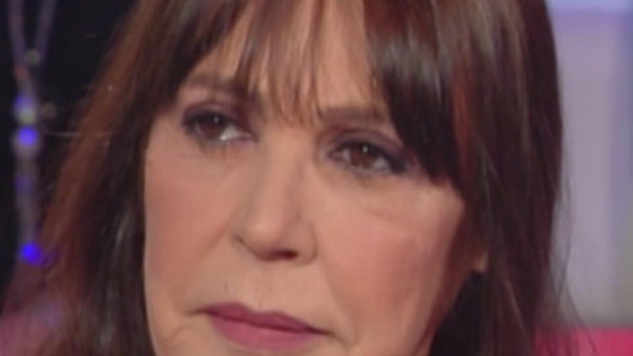 Pomeriggio 5, Viola Valentino rivelazione choc: il rapporto a tre