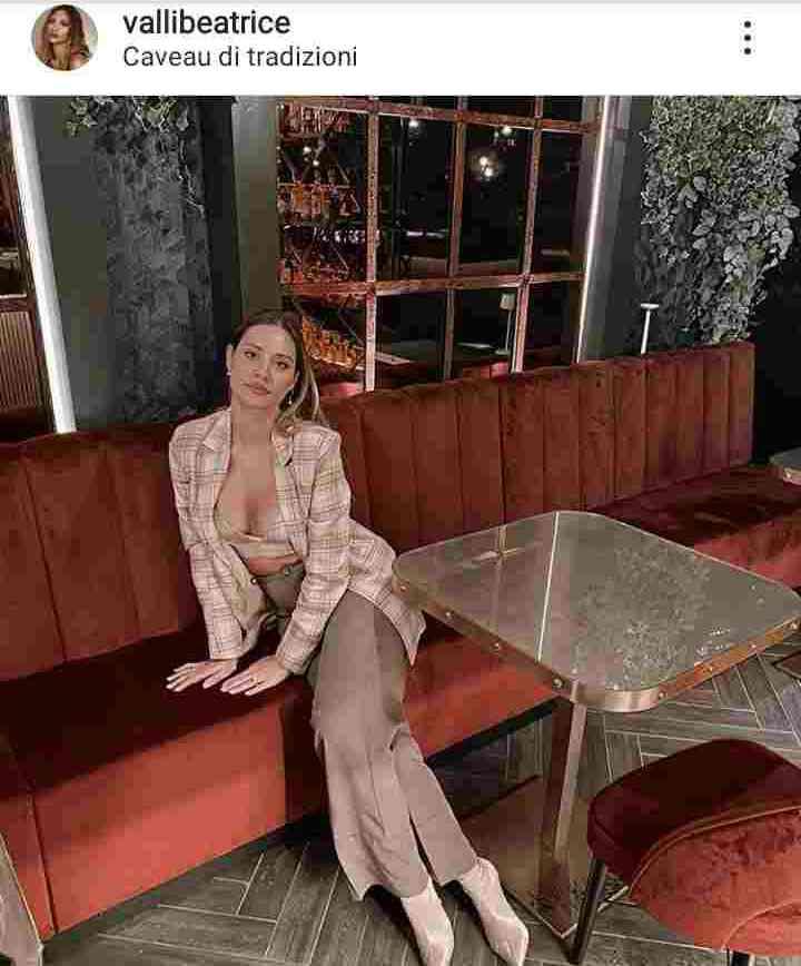 Beatrice a cena da sola - Meteoweek