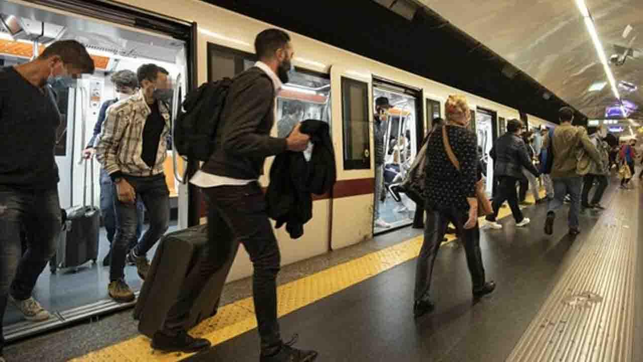 Covid, gli studi internazionali circa il rischio di trasmissione sui trasporti pubblici