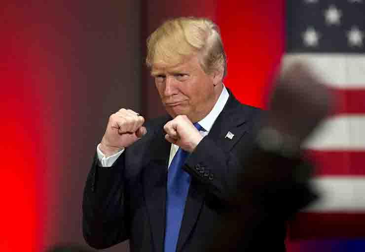 Donald Trump bacero' tutti si dihiara guarito