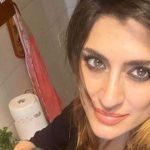 Elisa Isoardi torna in cucina, cuoca provetta: la ricetta del suo kebab VIDEO