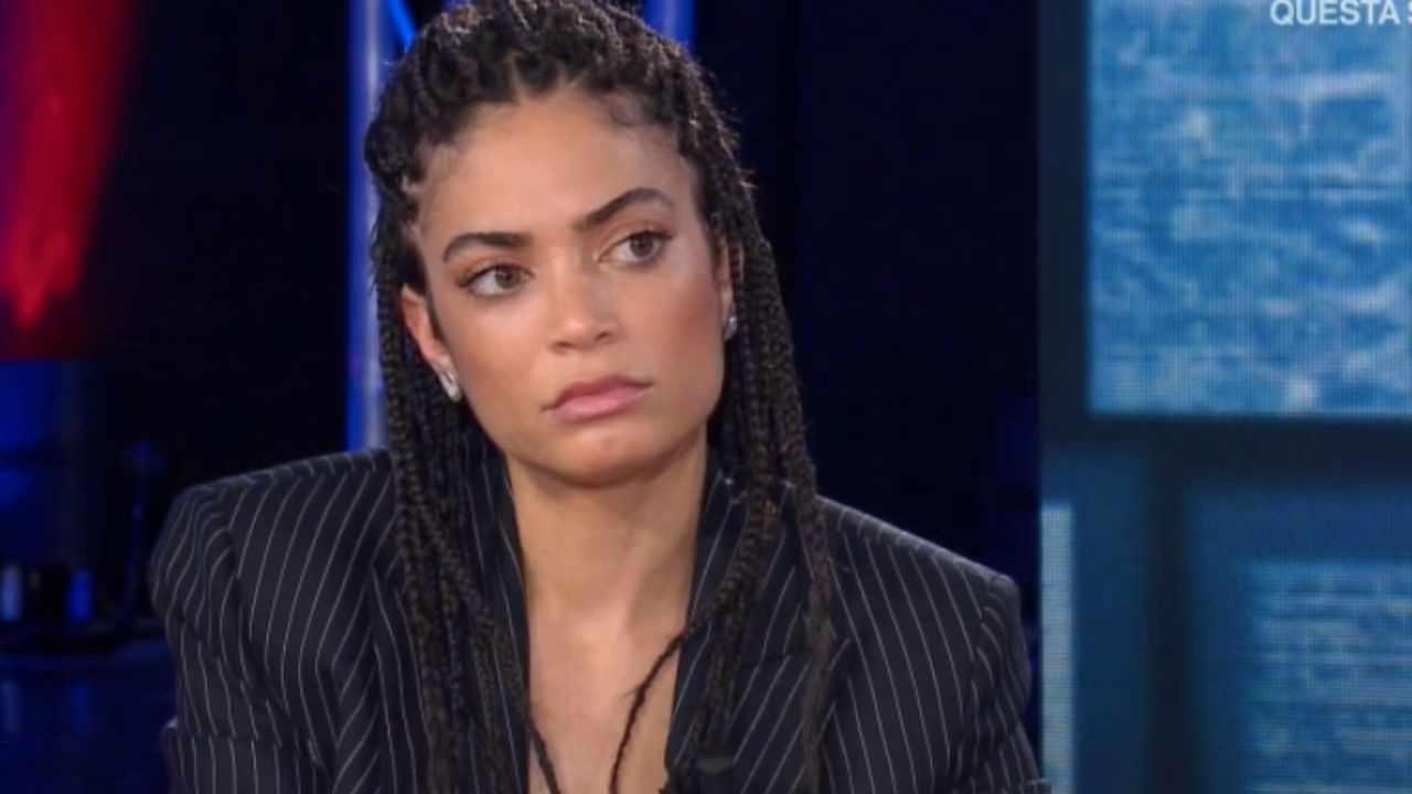 Elodie furia sui social   La cantante sbotta dopo un attacco    La dura risposta