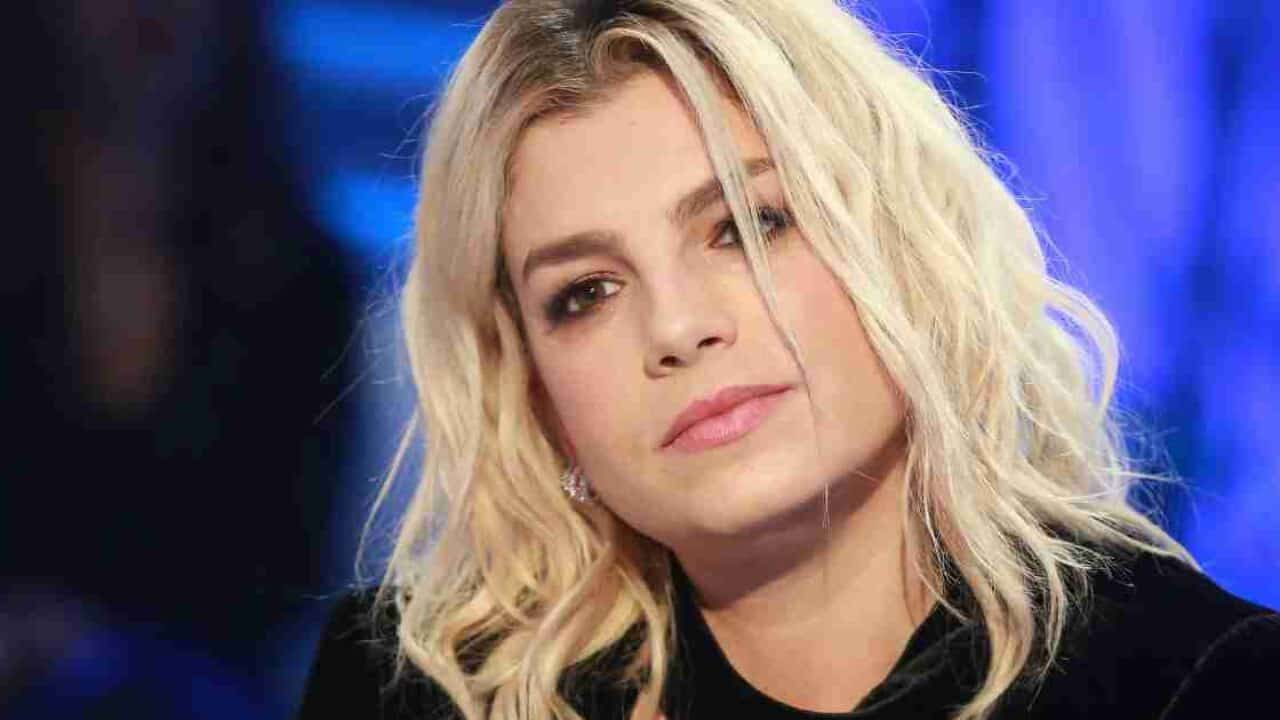 Emma Marrone lato b pazzesco in costume: la foto da boom di like