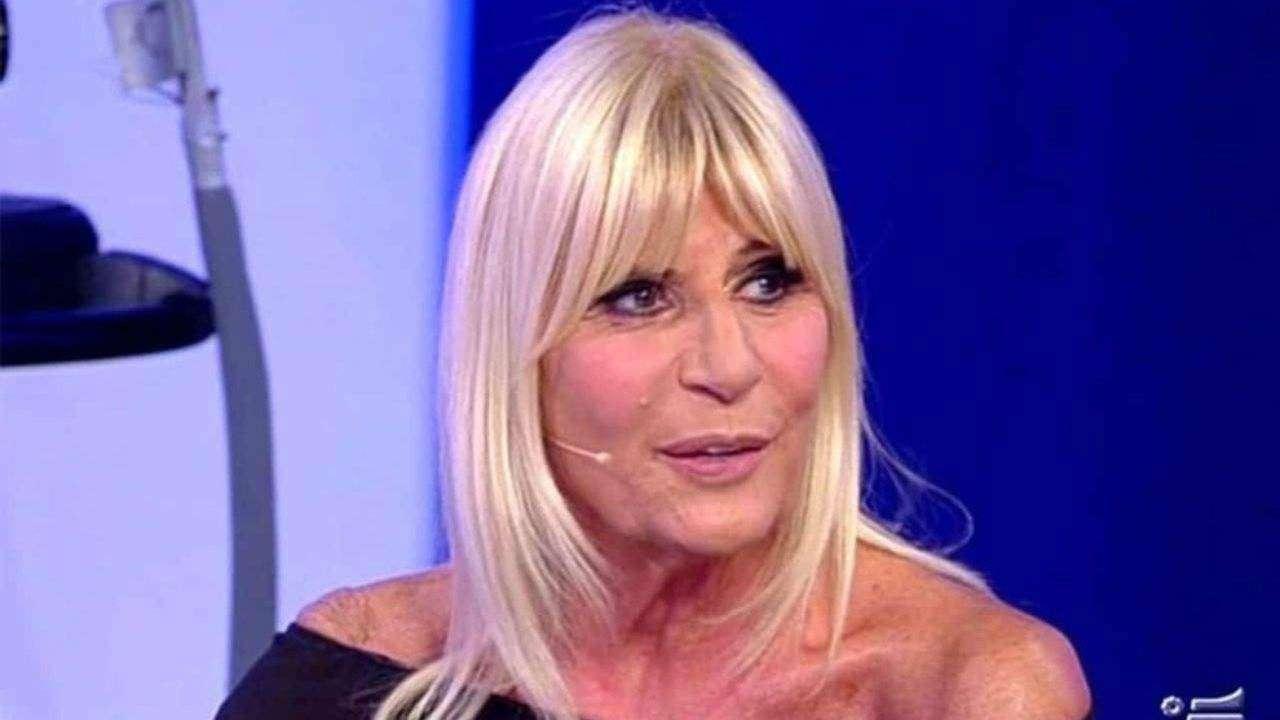 Gemma Galgani, spunta la sua sosia: è la mamma di un famoso attore