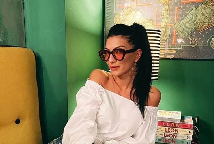 Giovanna Abate cerca i riflettori