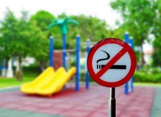 Milano vietato fumo all'aperto