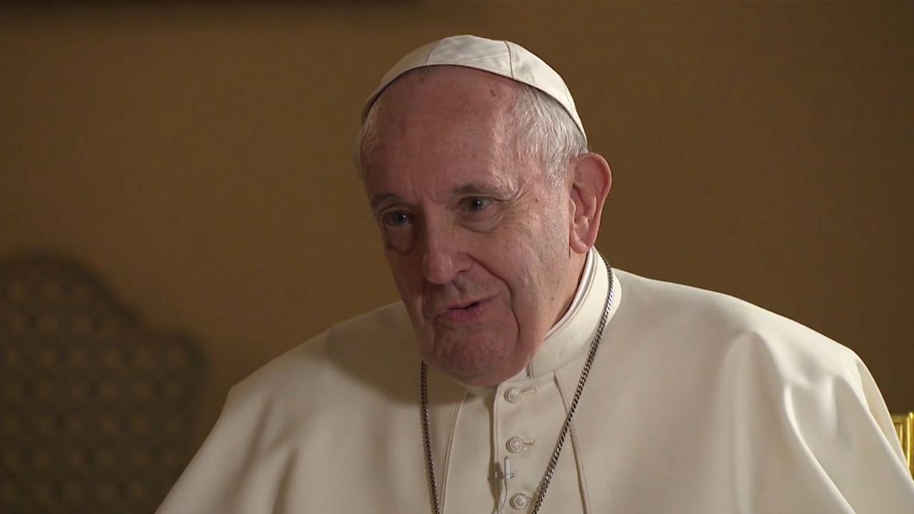 Papa Francesco famiglie gay