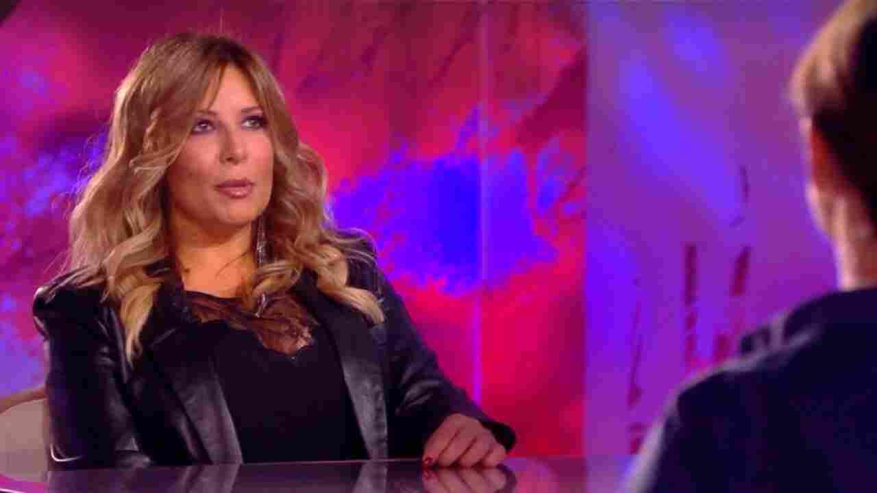 """Selvaggia Lucarelli vittima di una relazione tossica: """"Misi in pericolo la mia vita"""""""