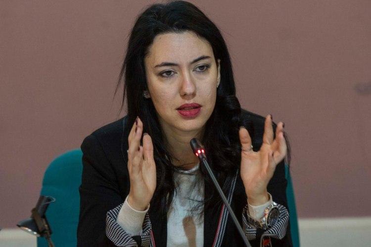 Lucia Azzolina non vuole chiudere le scuole