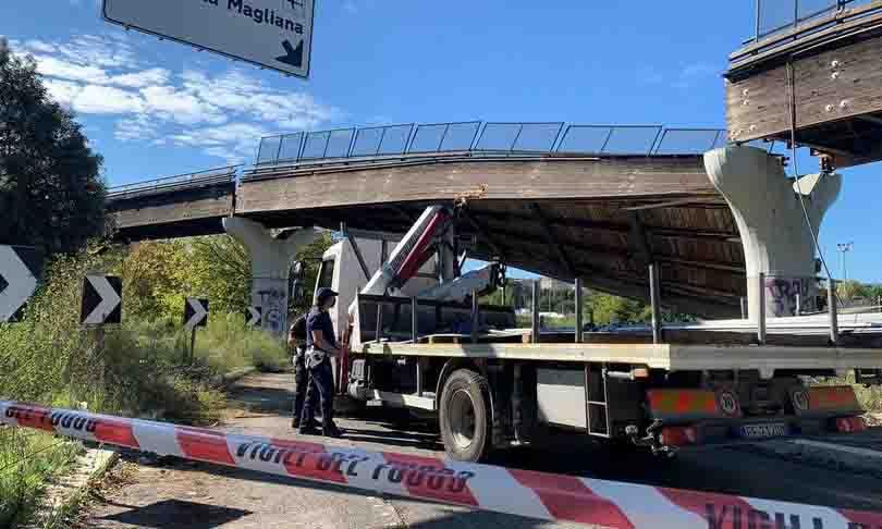 crolla ponte roma eur ciclabile