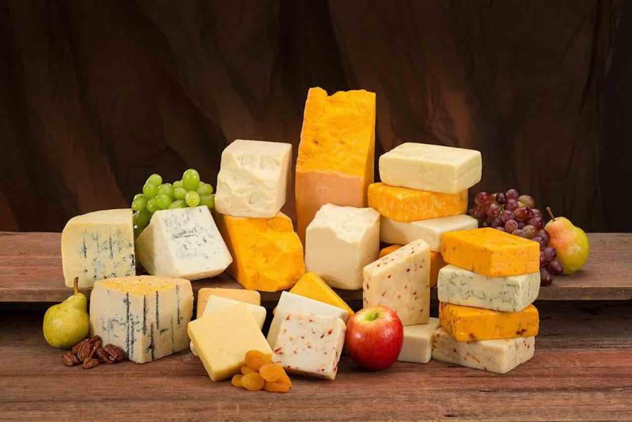 Formaggio richiamato per rischio salmonella | allerta alimentare
