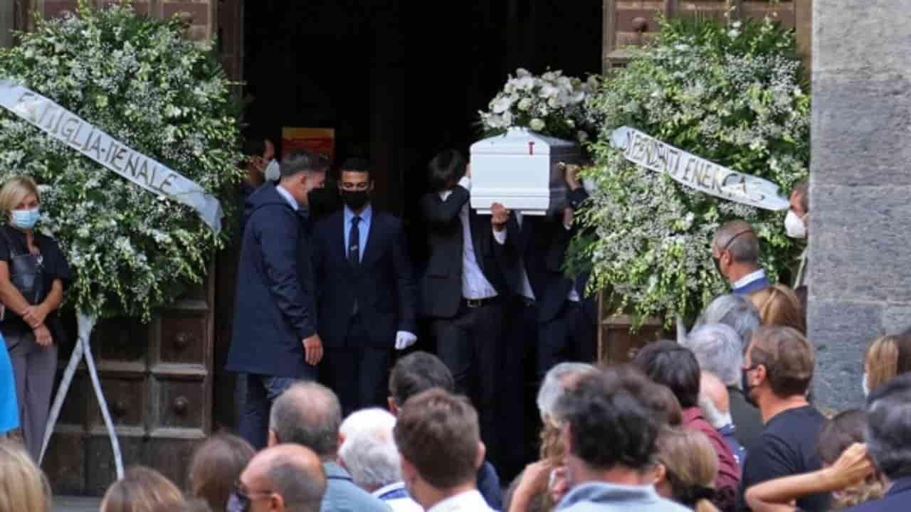 funerali bimbo Jonathan Galindo