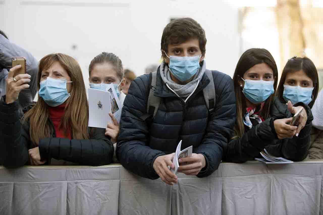 """Vaccino Coronavirus, Ippolito: """"Chi ha già avuto il Covid non dovrà farlo"""""""