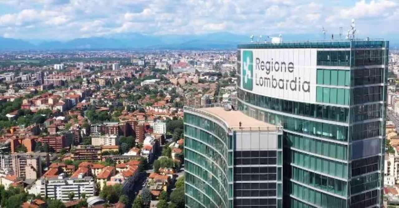 """Coronavirus, l'appello di Fontana: """"Misure più restrittive in Lombardia"""""""