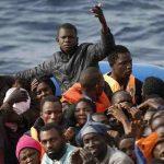Migranti, traversate: 140 morti in Senegal e strage di bambini nella manica