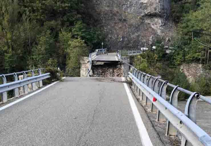 crollo ponte Lenzino