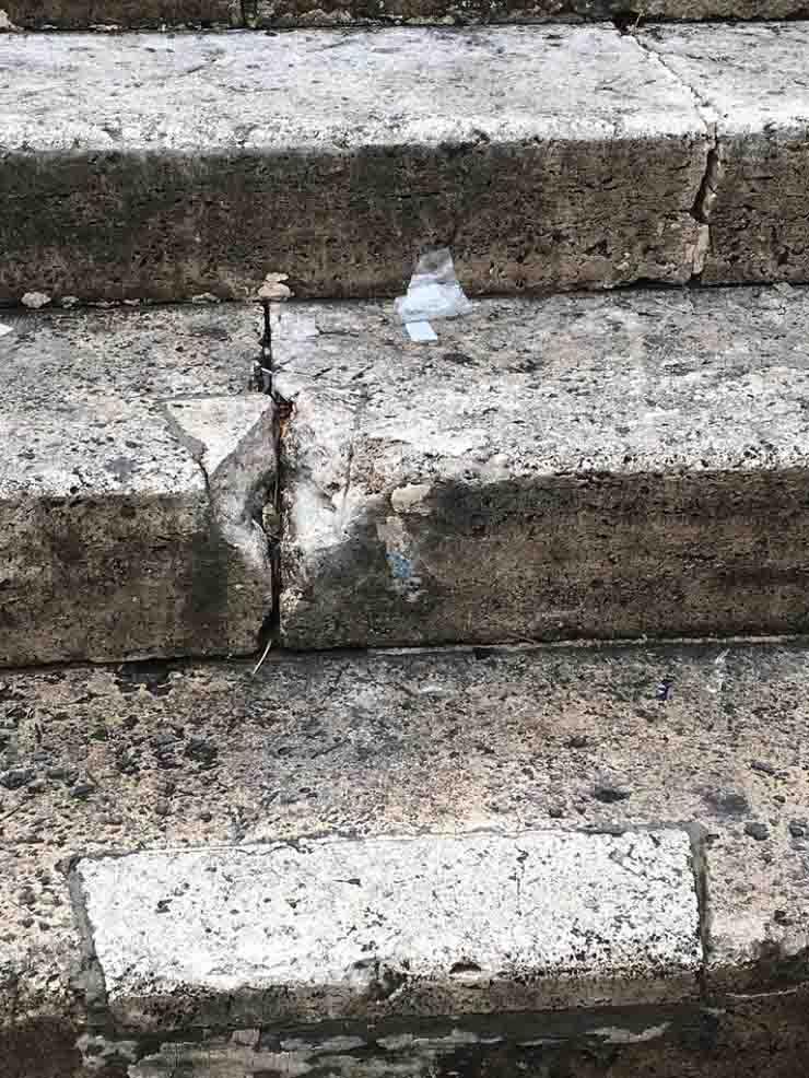 danni monumenti roma movida scalea tamburino trastevere