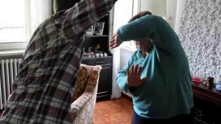 figli violenti contro i genitori gli arresti