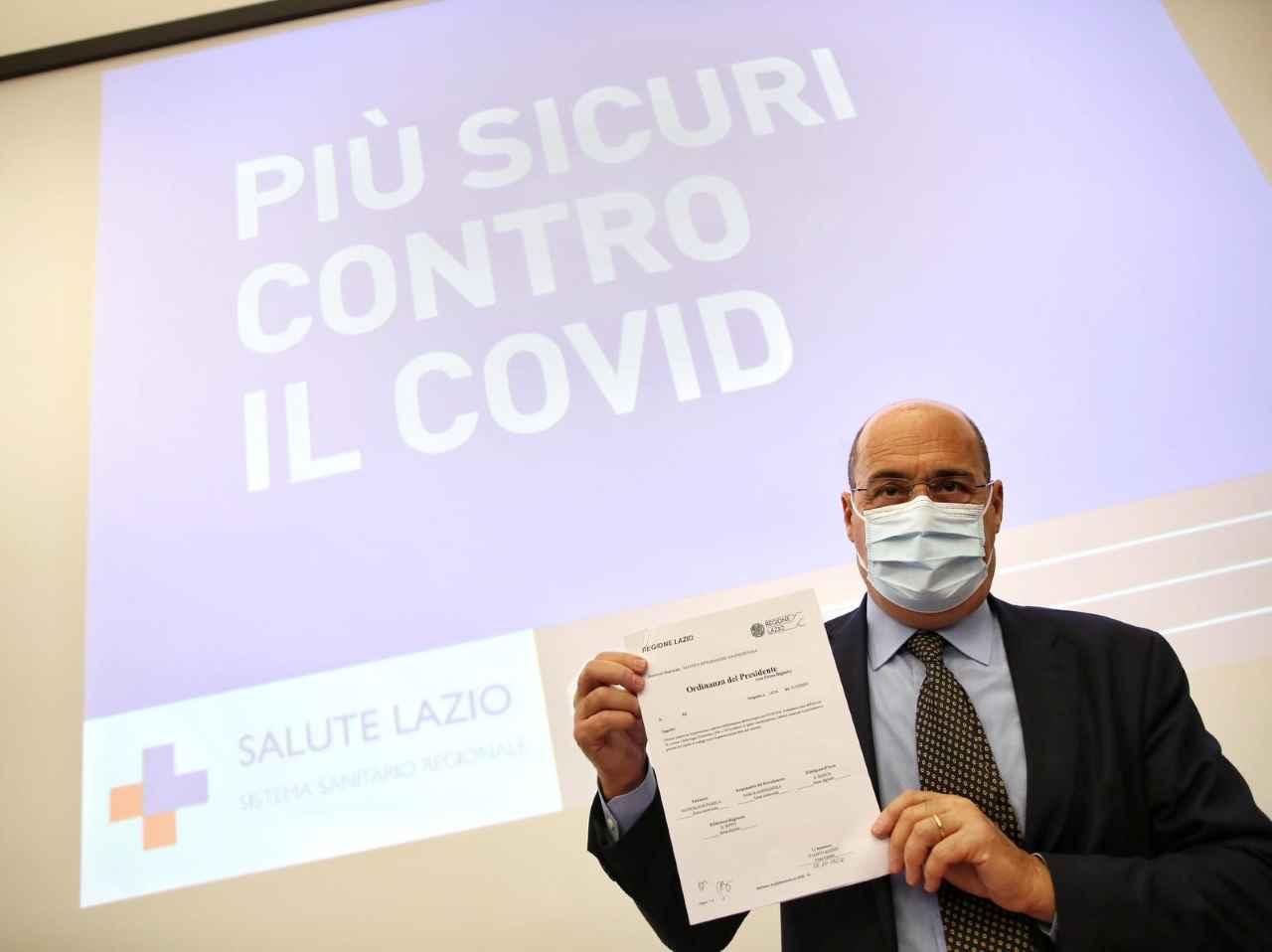 Coronavirus, Zingaretti impone la mascherina anche all'aperto nel Lazio