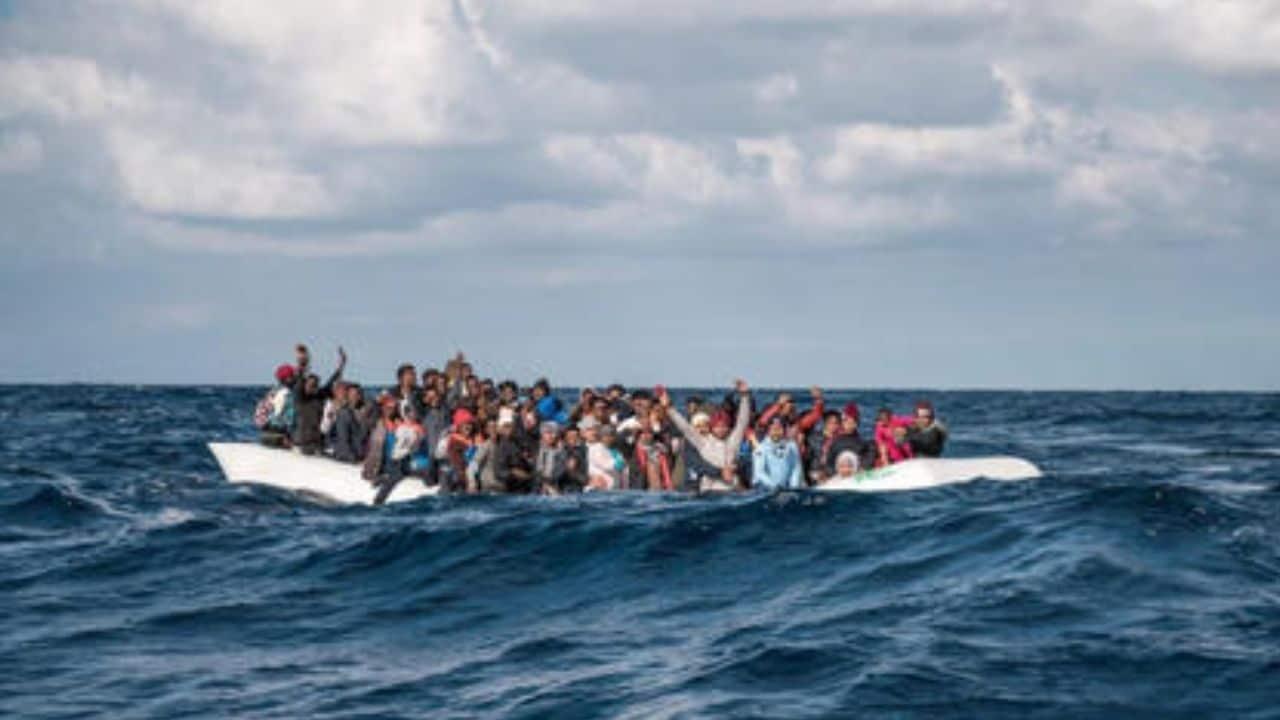 70 migranti sud lampedusa - meteoweek.com