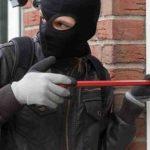 Arsenio Lupin italiano: viene sorpreso a rubare e si complimenta con la Polizia