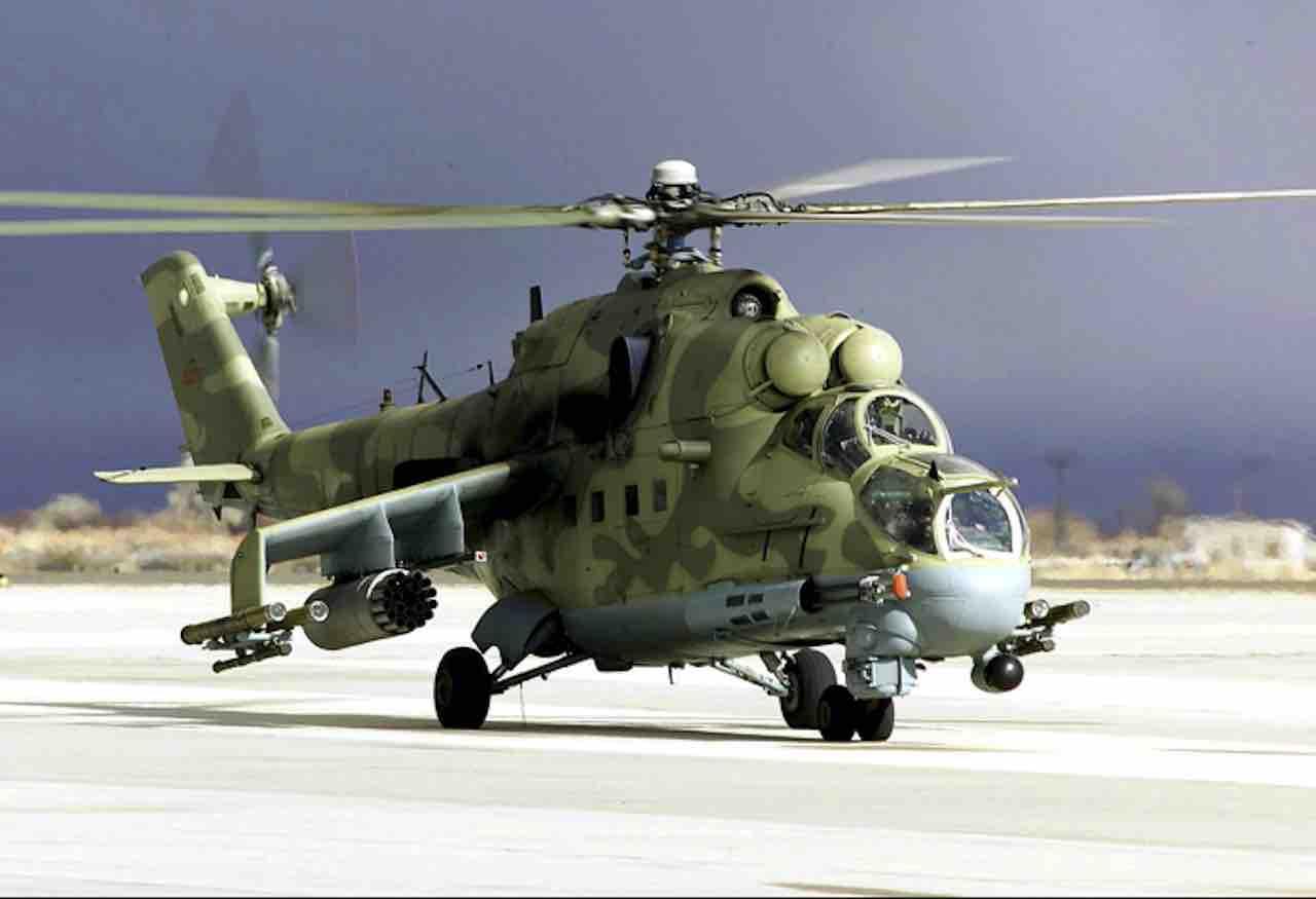 Abbattuto un elicottero russo da guerra nei cieli dell'Armenia