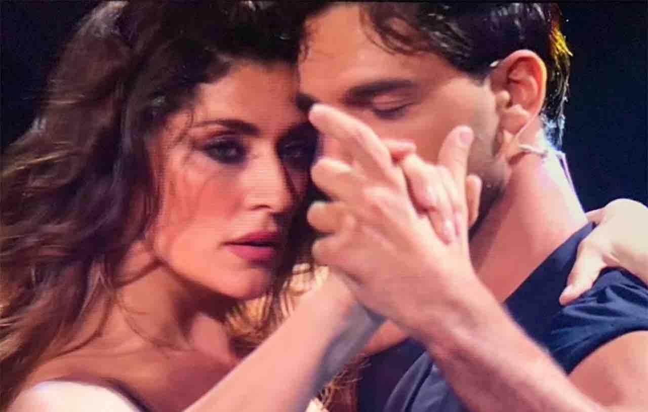 Elisa Isoardi e Raimondo Todaro stanno insieme? La sua confessione spiazza tutti