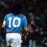 1989, quando Armando Diego Maradona si riscaldò sulle note di Life is Life