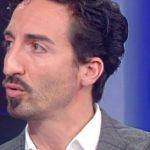 """Storie Italiane, la confessione di Samuel Peron: """"Discriminato e deriso"""""""