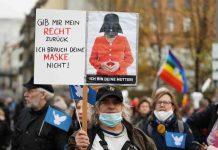 Proteste a Berlino per le misure anti covid del governo