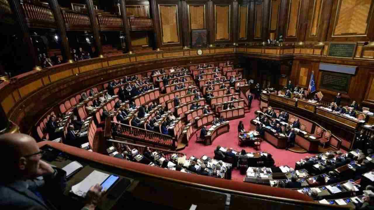Gli 11 impegni del governo la risoluzione della maggioranza alla Camera