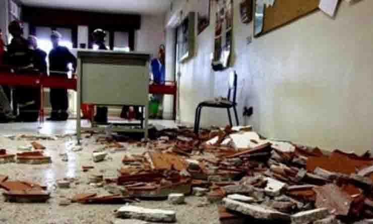 Le scuole italiane devastate: 50 episodi di crollo nell'ultimo anno