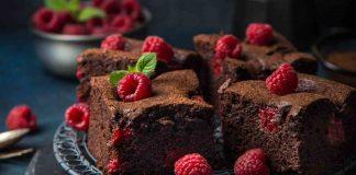 Torta cioccolato, lamponi e nocciole