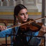 Rita Levi Montalcini, chi è la piccola violinista del film tv di Rai 1