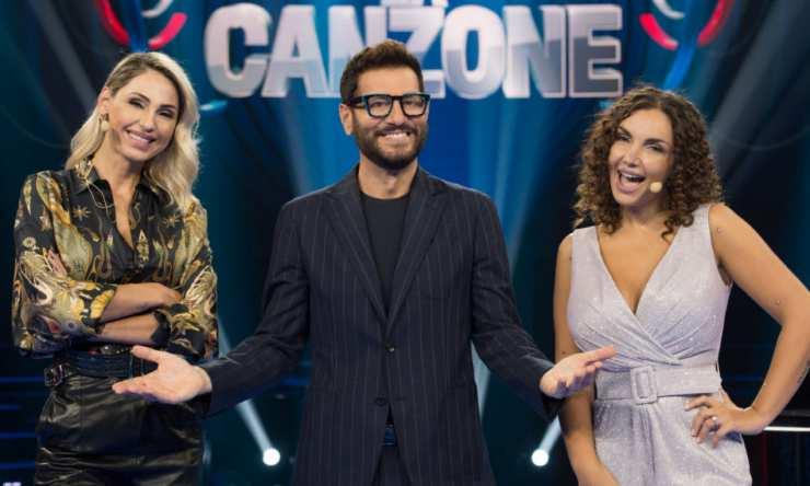 Elettra con Enrico e Anna a Name That Tune - meteoweek