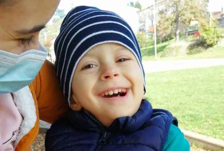 Matteo, 2 anni, affetto da rara malattia. L'appello della mamma