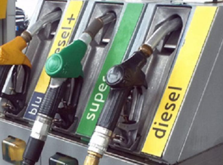 E per Natale anche lo sciopero dei distributori di benzina